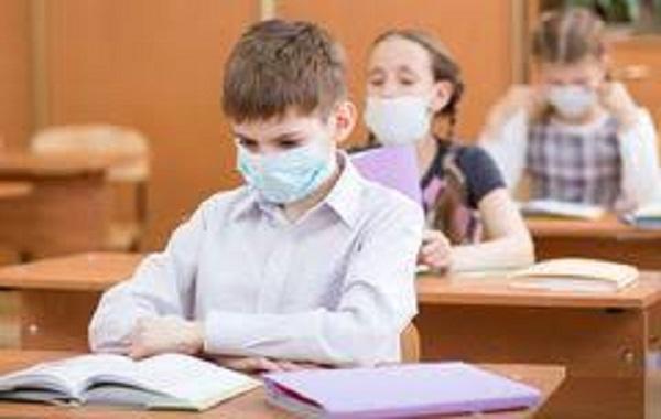 В учебных заведениях Кишинева зарегистрировано более 250 случаев COVID-19