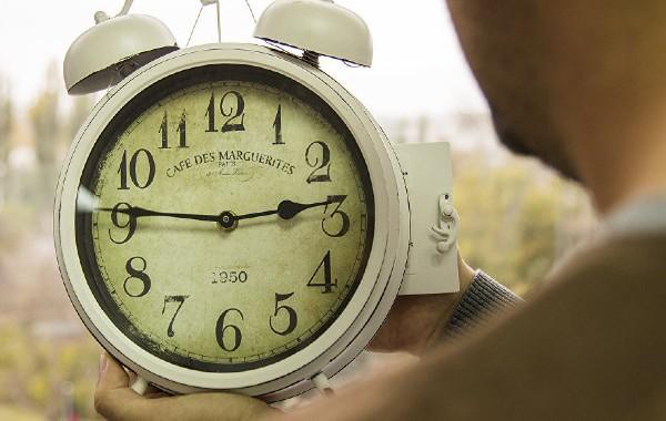 Молдова переводит стрелки: правительство решило не отказываться от зимнего времени